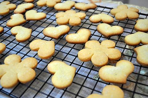 Biscoitos feitos com pâte sucrée.
