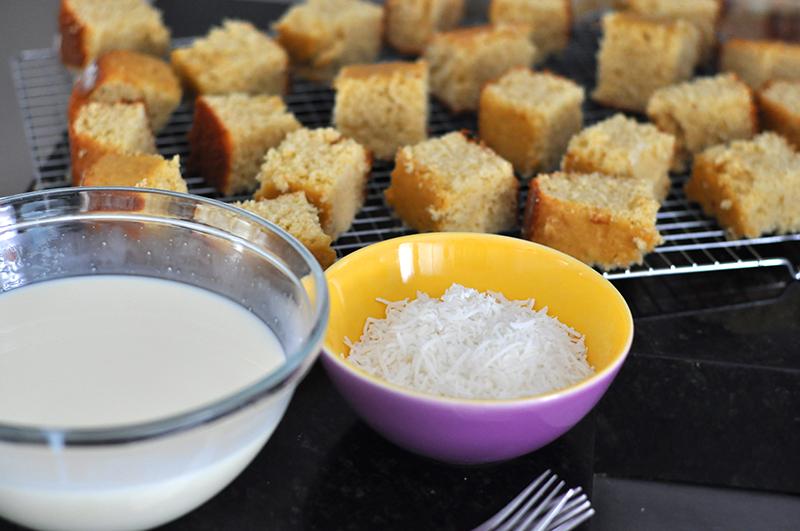 Bem simples de fazer: bolo gelado de coco com massa de Coca-Cola