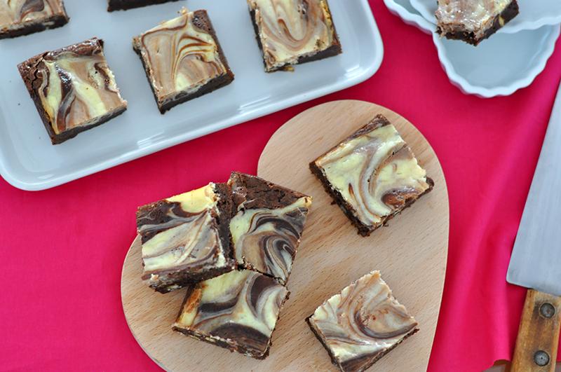 Eles não são muito lindos? Brownie Cheesecake