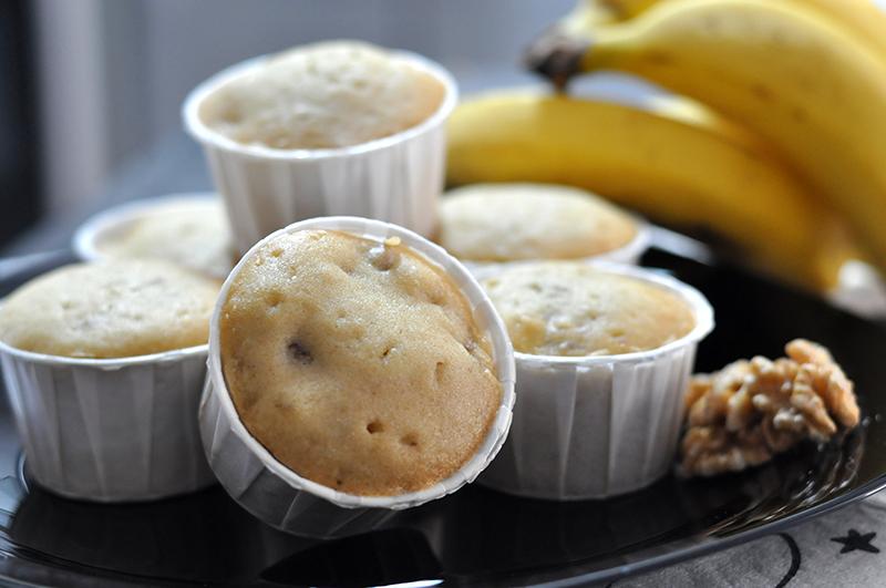 Muffins de banana prontos para o lanche