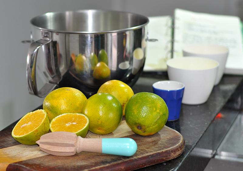 Ingredientes: bolo de laranja tradicional