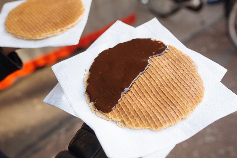 Stroopwaffels cobertos com chocolate