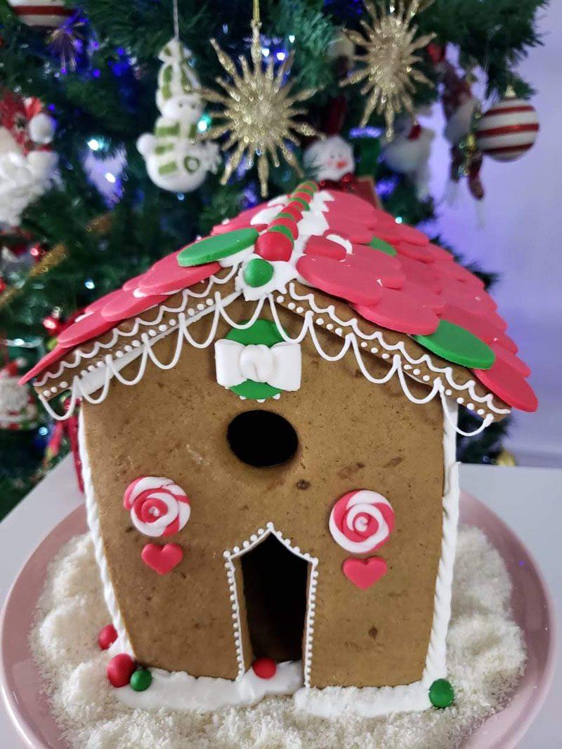 casinha de biscoito decorada