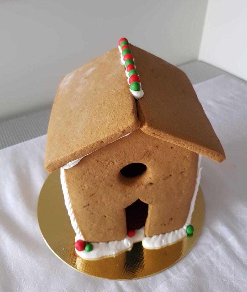 construção casinha de biscoitos de natal
