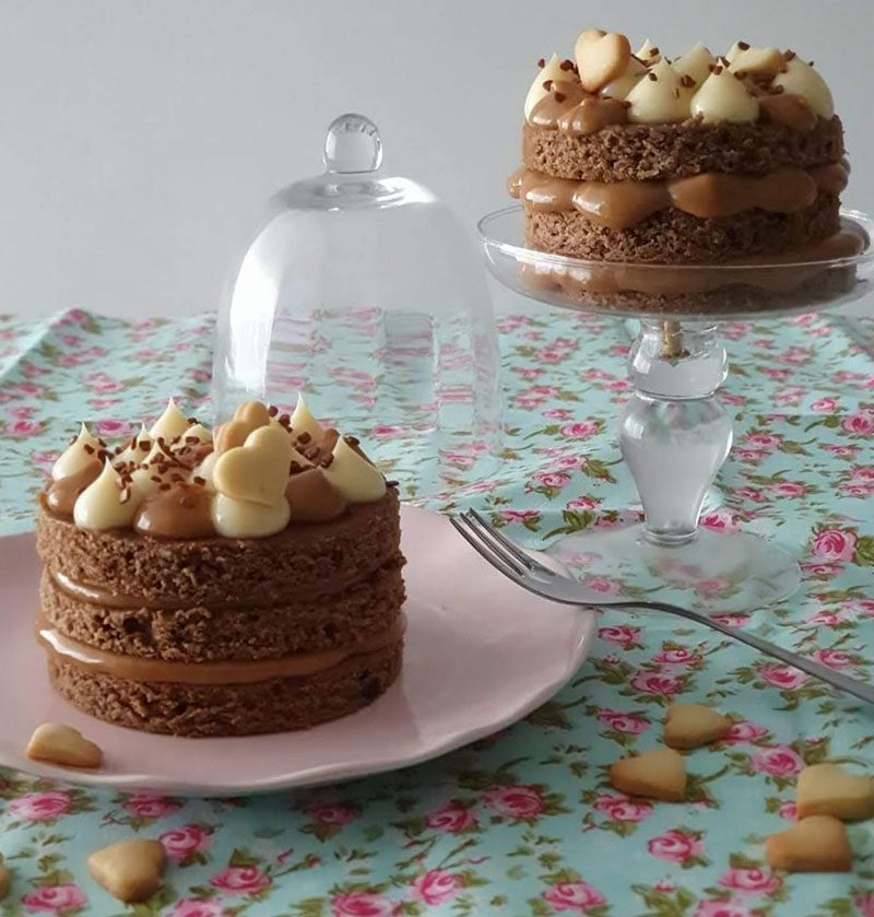 mini bolo pão de mel com doce de leite. receita completa passo a passo