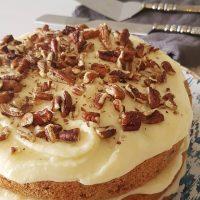 Um bolo delícia pra fazer no feriado e aproveitar com a família: bolo beija-flor 🌼🌸💐 . 👉Link para a receita no perfil . #confeitando #cofeitandoblog #pastry #pastrylover #confeitaria #diy #homemade #homebaked #lifeissweet #vscofood #vsco #vscocam #yummy #yum #sweet #hummingbirdcake #cake #bolobeijaflor